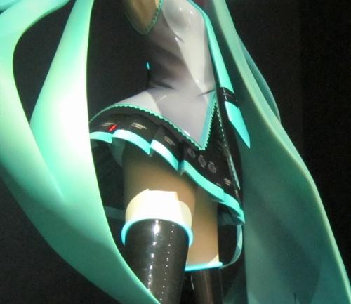 iXimaデザイン等身大初音ミク パンチラ