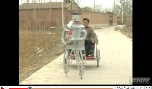 二足歩行ロボットが上海万博に出展される