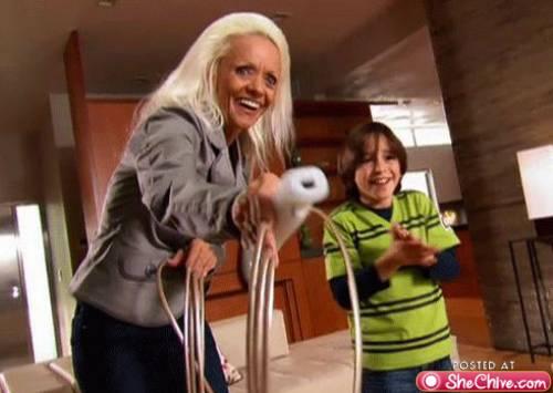 Wiiで遊ぶ世界一爪が長かったお婆ちゃん