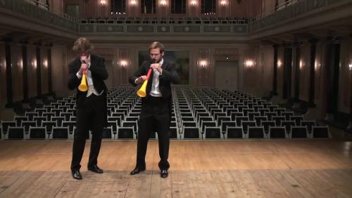 オーケストラ奏者がブブゼラ吹いたら?