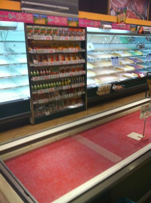 スーパー、食品売り切れ