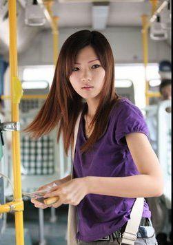 美人すぎるバス車掌1