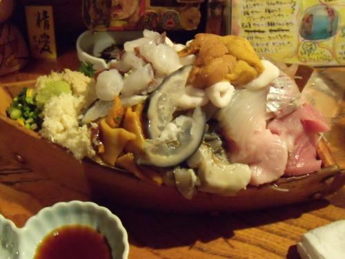 「大漁居酒屋 てっちゃん」の舟盛り