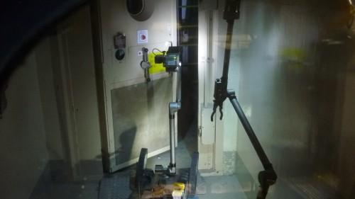 3号機原子炉建屋に突入するロボットの写真