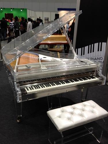 YOSHIKIさんモデルのピアノ