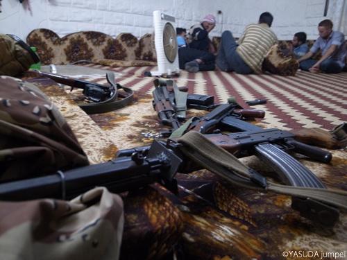 反政府軍の主力武器は中国製AK47=2012年7月23日