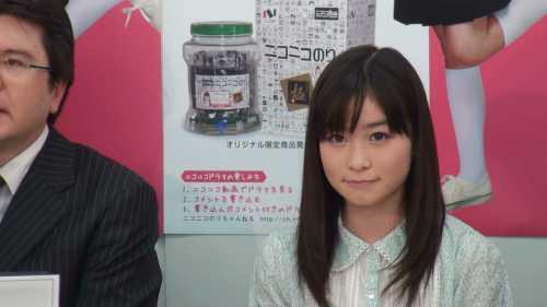 主演の岡崎さんは終始笑顔