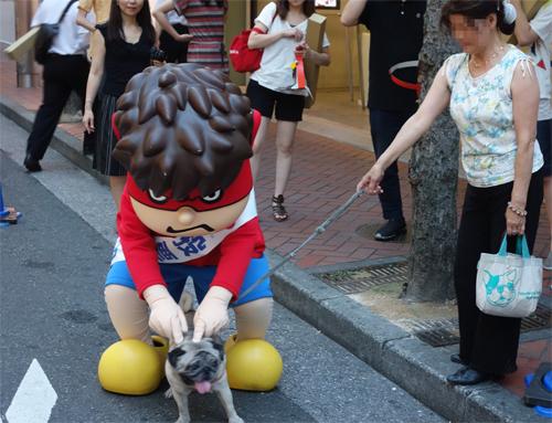 犬とも触れ合う