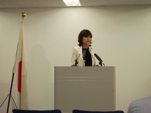 2013年8月8日稲田朋美大臣会見