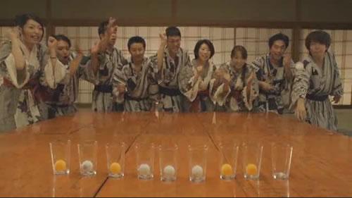 ピンポン玉の連続入れや連続カップイン 日常のちょっとしたハレの日を喜ぶ『日本盛』のCMが小気味いい