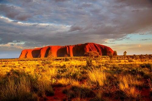 オーストラリア・ノーザンテリトリー観光レポート エアーズロックが迎えるレッドセンター編