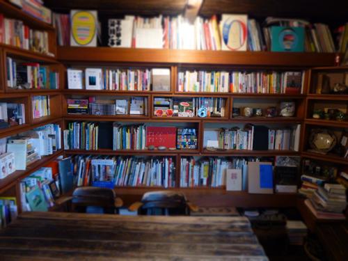 ブックカフェ6次元