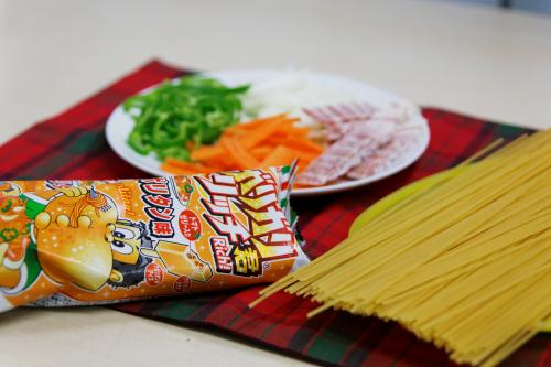 アイス界の革命!衝撃の新商品『ガリガリ君リッチナポリタン味』でナポリタンを作ってみたよ