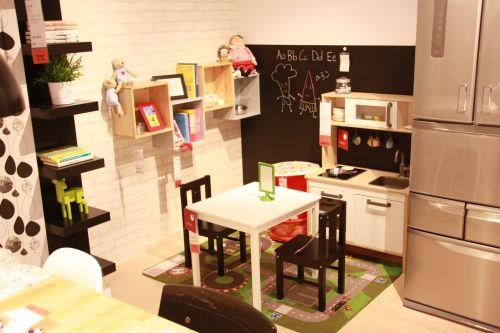 IKEAルーム子供用の小さな家具