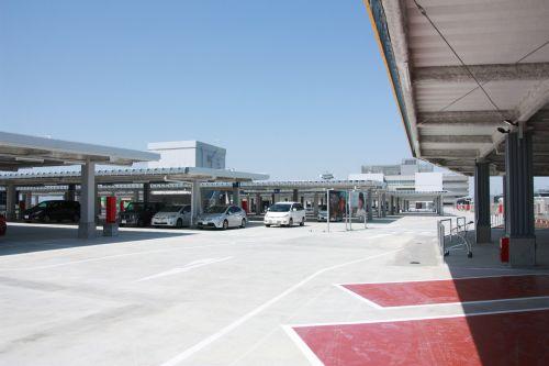 駐車場は1500台収容