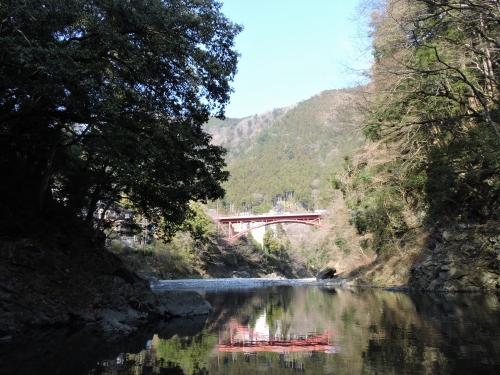 渓谷陸橋01