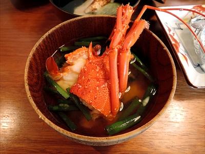 永遠に続く? 「元町梅林」のすごい量とウワサのコース料理と巨大おにぎりを実食!