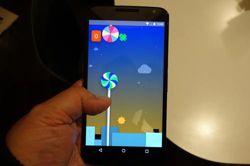 "Android 5.0 ""Lollipop""のイースター・エッグではあの『Flappy Bird』みたいなゲームが遊べる"