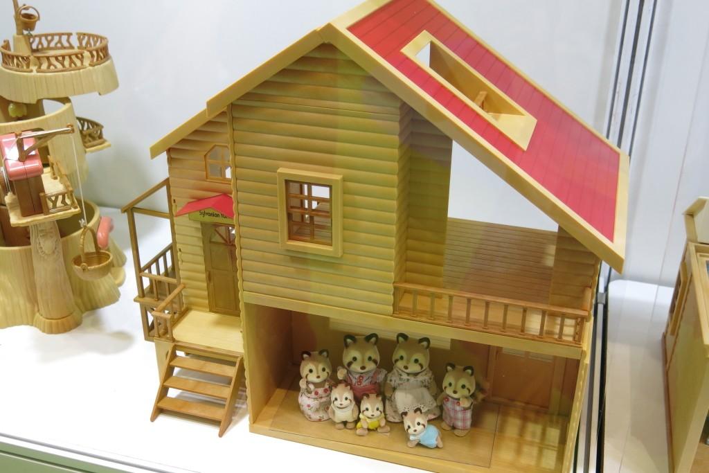 1995赤い屋根の大きなお家0