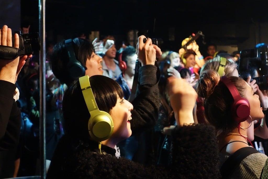 盛り上がってるのに周囲は無音!? ハイレゾ音源をヘッドホンで楽しむサイレントディスコ『ハイレゾゾクゾクタイム』が開催