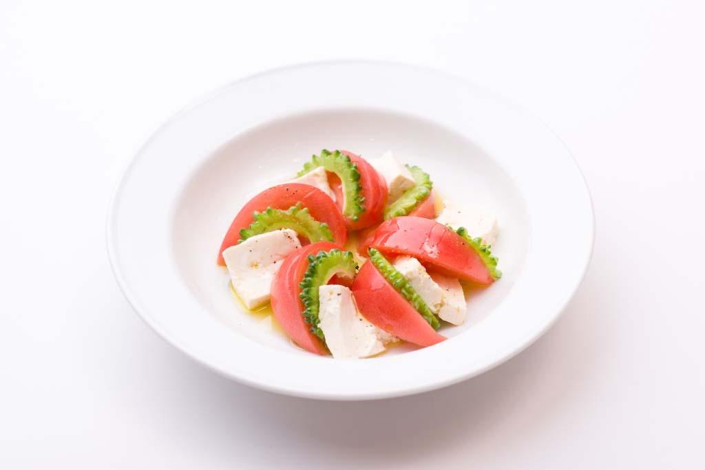 トマトと豆富の沖縄風カプレーゼ