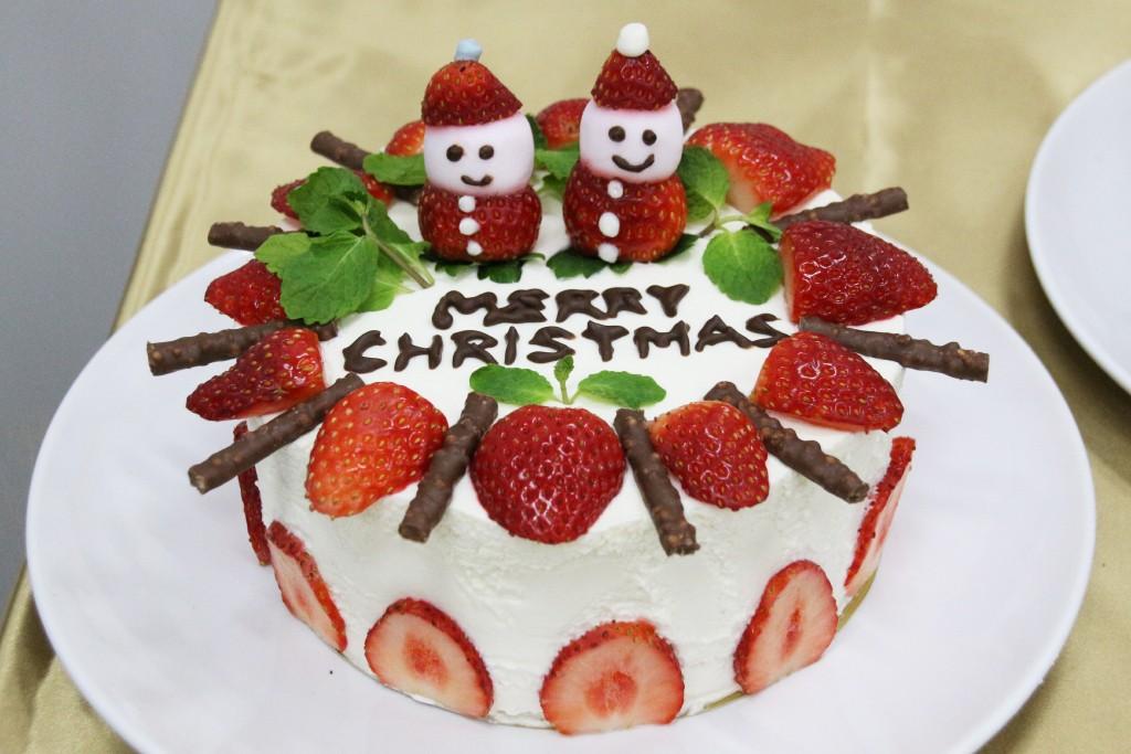 でこケーキ