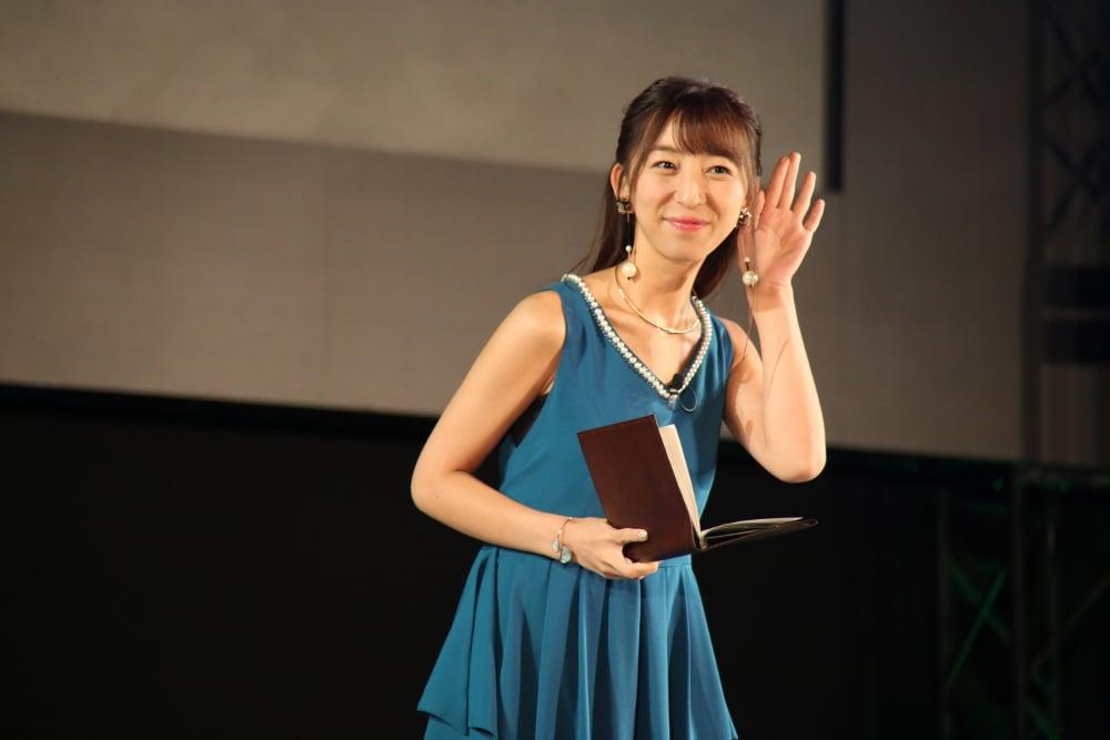 イベントMCの飯田里穂