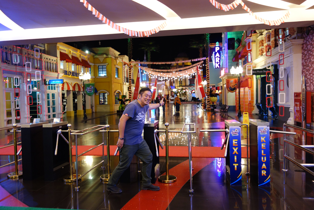 """【インドネシア・コーヒーの旅】マンション販売やテーマパーク? マカッサルのショッピングモール""""トランススタジオ""""が面白い"""