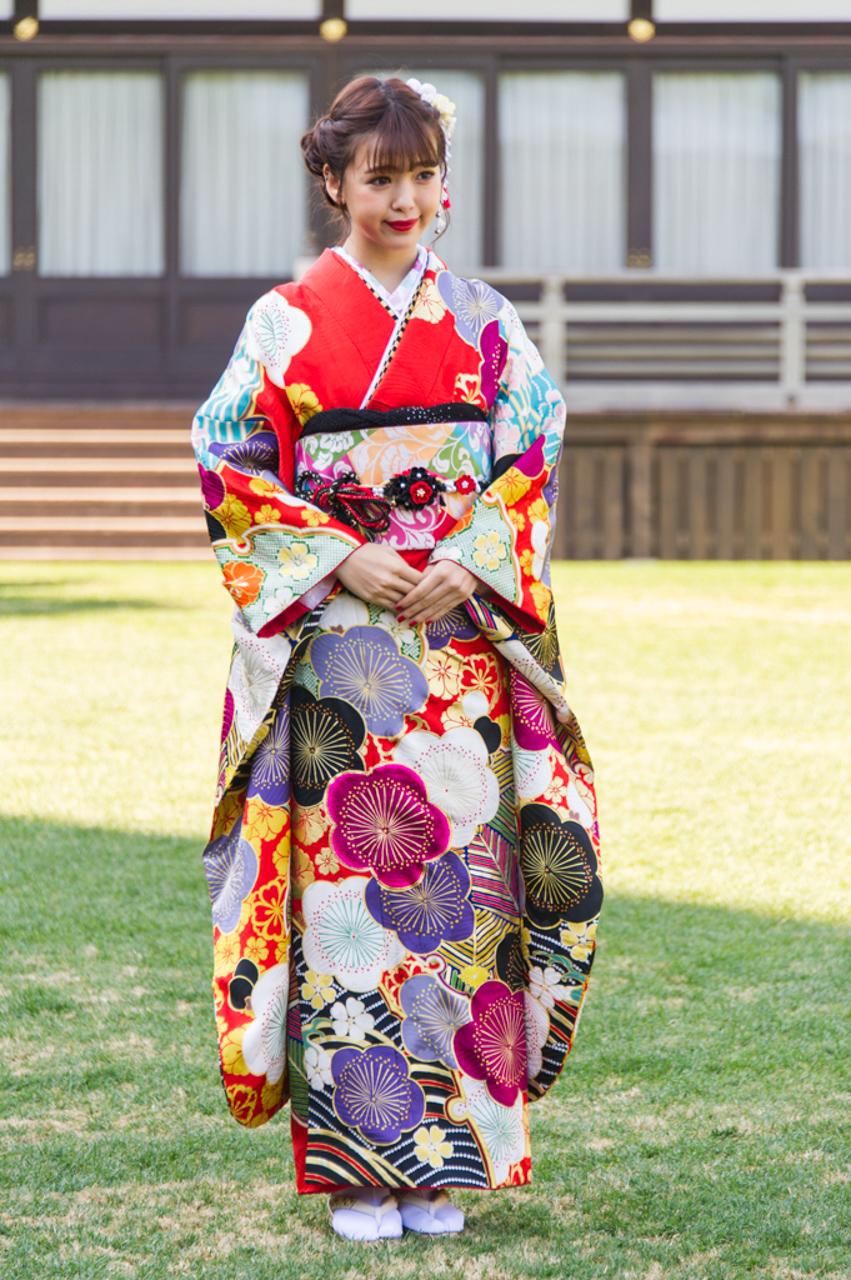藤田ニコル さん
