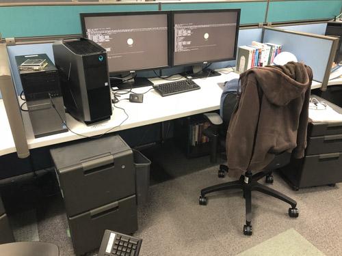 最終退社時の自分の机