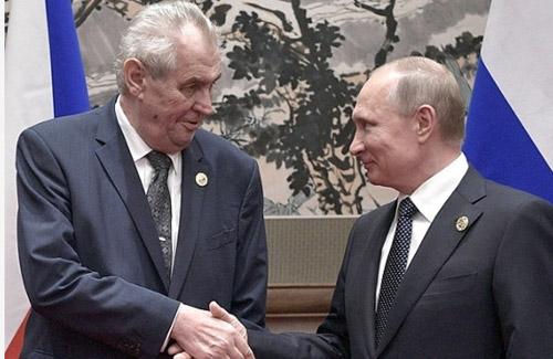 ミロシュ・ゼマン大統領とプーチン大統領の会合