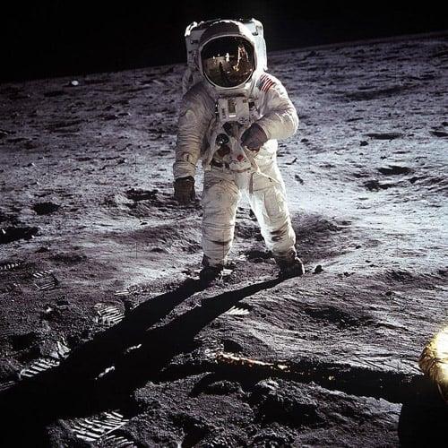 月面着陸のビデオテープを上書き