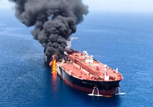 国華産業(パナマ船籍)のタンカー