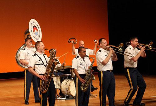 在日米陸軍軍楽隊ブラスバンド