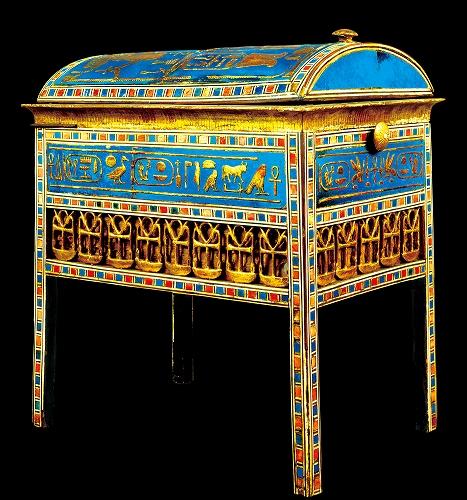 アメンヘテプ3世とティイ王妃の銘入りチェスト