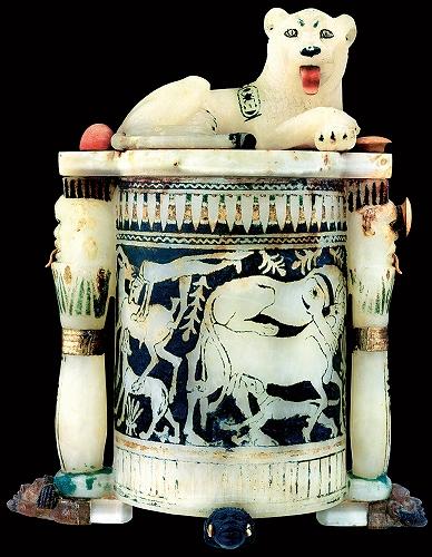 ライオンの飾りのついた化粧容器