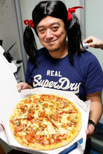 """""""双子割""""に""""高二割"""" 今年もやってきたドミノ・ピザのクーポン祭に""""ツインテール・おヒゲ・インコ・ダサT""""で挑戦したよ"""