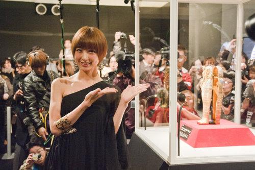 篠田麻里子さんとツタンカーメン展