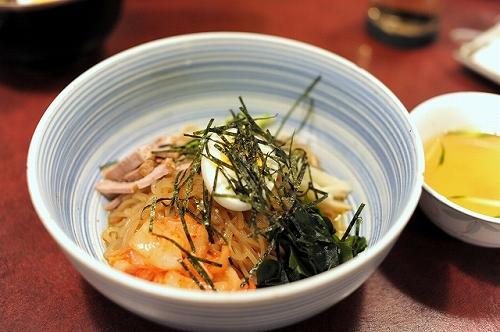 肉の田じま・ビビン麺