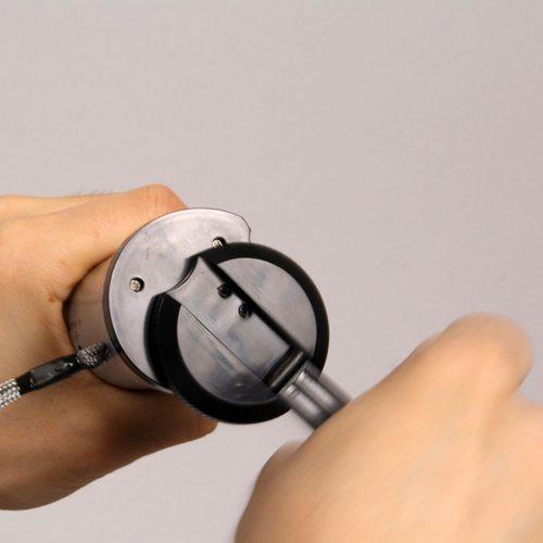 ダイナモ内蔵携帯充電機能付きラジオ&懐中電灯