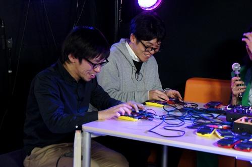 セッション中の坂巻さんと斉田さん