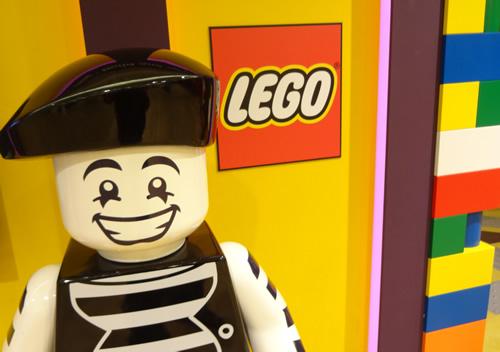 レゴ職人の職場