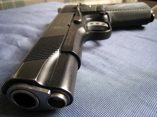 拳銃 ※画像はイメージです