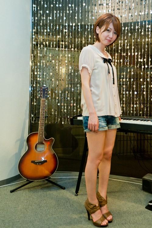 妃田智さんとギター