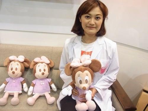 【東京おもちゃショー2012】ゆったり呼吸で眠りへいざなうぬいぐるみ『ハグ&ドリーム ミニーマウス』
