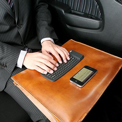 サンワサプライ『iPhone/iPad Bluetooth シリコンキーボード』