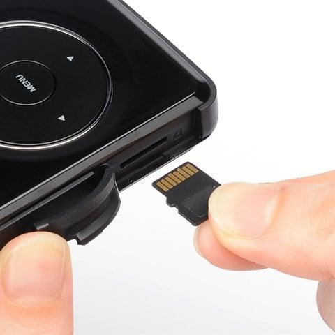 モバイルプロジェクター400-PRJ007 microSDカードに対応
