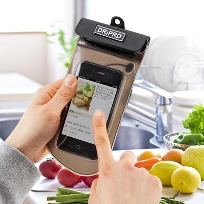 DRiPRO社のスマートフォン防水ケース(200-PDA055)