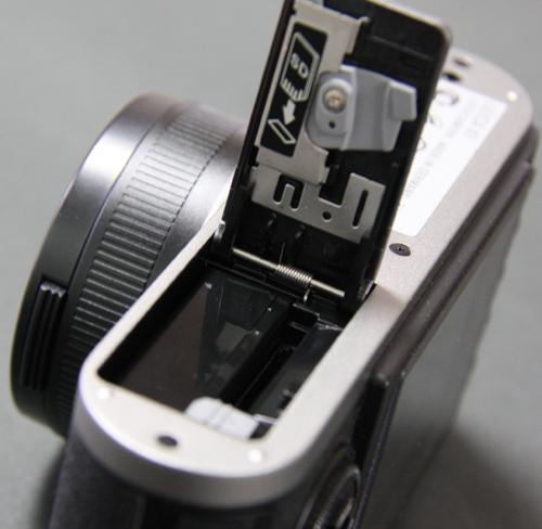 SDカード、充電池