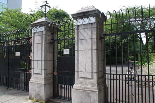 イギリス大使館裏門
